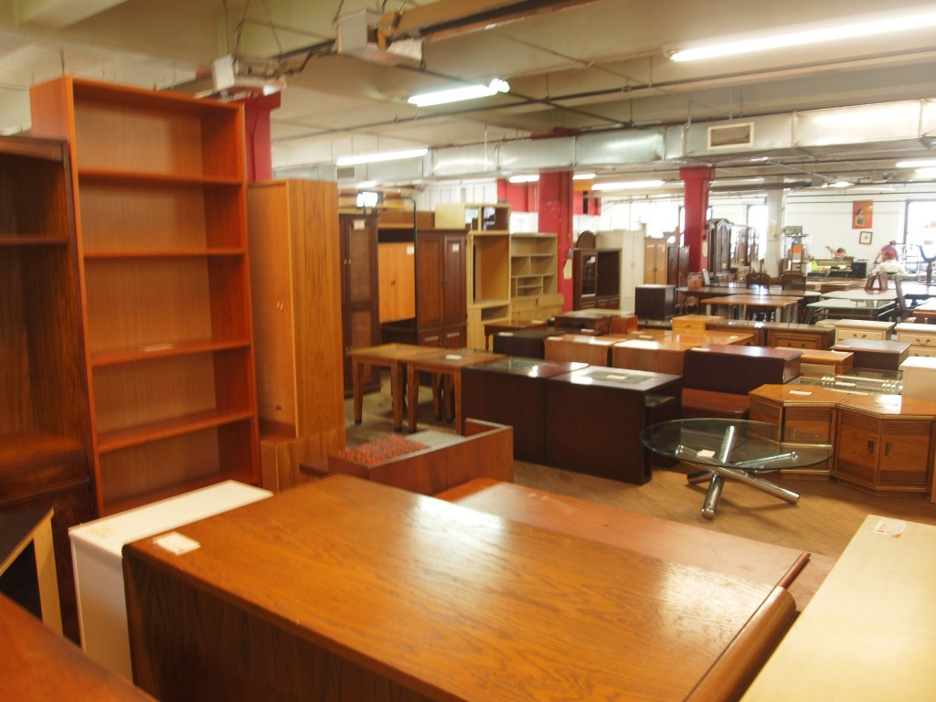 Furniture stores in nyc 12 best shops for modern designs for Best consignment stores nyc