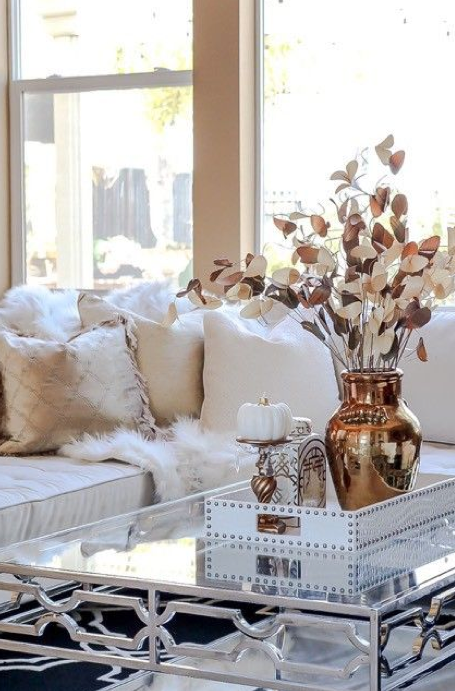 Rose gold and gold living room accents froy blog for Living room ideas gold