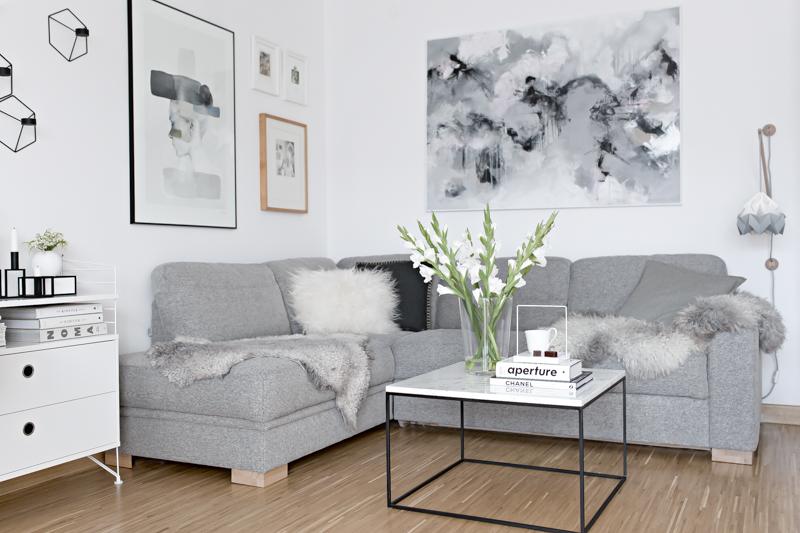 No Rug Apartment Bare Floor